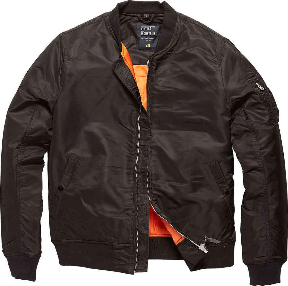 Il bomber, la classica giacca da aviatore con la fodera interna arancione fluorescente
